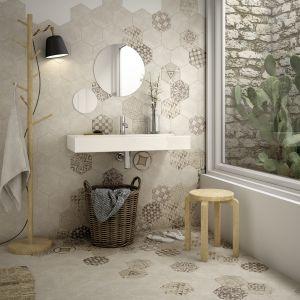 Dwa modne motywy zestawione ze sobą: patchwork i heksagony w kolekcji Hexatile marki Equipe Ceramicas. Fot. Equipe Ceramicas