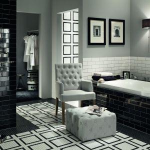 Czarno-biała łazienka z płytkami z kolekcji Monaco kreacji Macieja Zienia dla Tubądzin. Fot. Tubądzin