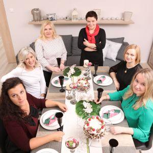 Od lewej: Marta Pancewicz, Ewa Kozioł, Urszula Tatur, Justyna Łotowska, Anna Usakiewicz, Anna Sołomiewicz
