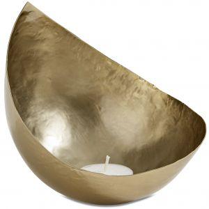 Bardzo elegancki świecznik Drop na tealighty będzie piękną dekoracją domowego salonu SPA; wykonany z żelaza, pomalowanego na kolor brąz antyczny. Cena: ok. 70 zł. BoConcept