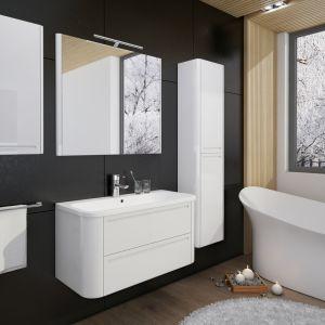 Białe meble łazienkowe z kolekcji Gloria. Fot. Devo