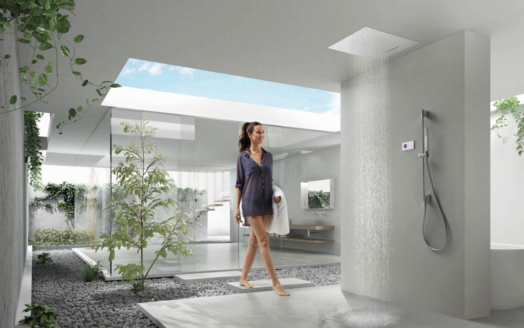 Termostatyczny, elektroniczny zestaw prysznicowy Shower Technology z grupy produktów Tres Exclusive do montażu podtynkowego to idealny przykład zdobywających coraz większą popularność baterii termostatycznych. Fot. Tres