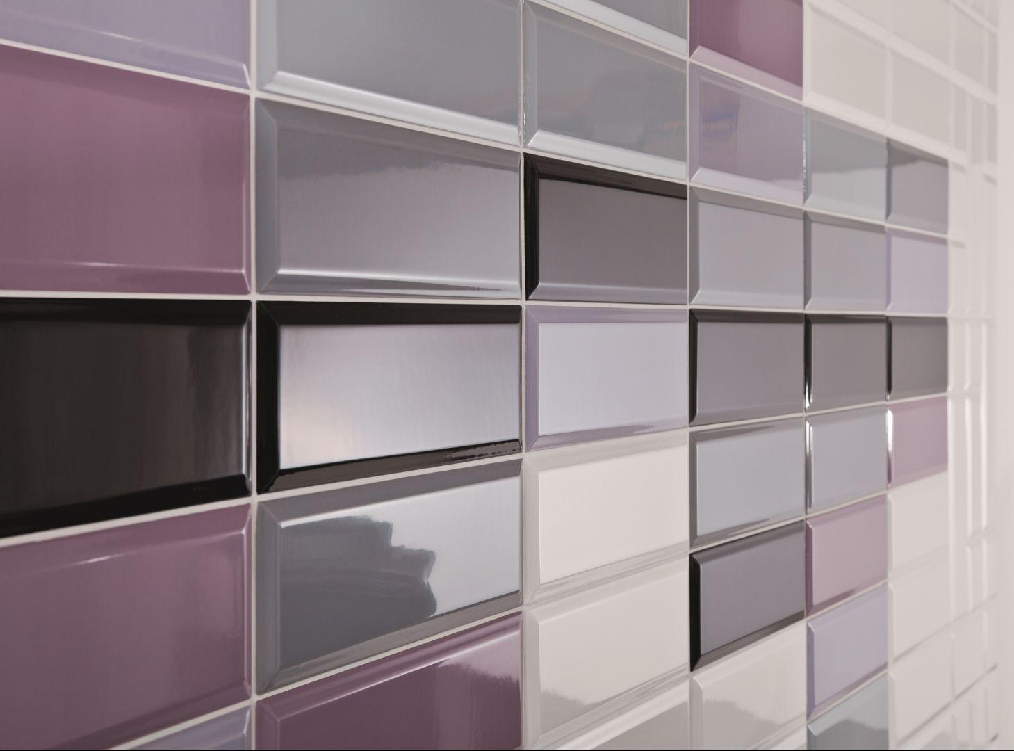 Płytki jak kafle w różnych kolorach, również odcieniach fioletu, z kolekcji Tamoe. Fot. Ceramika Paradyż
