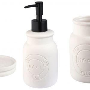 Elegancka i nowoczesna seria akcesoriów łazienkowych New York firmy Bisk będzie idealnym prezentem dla wszystkim wielbicieli dobrego wzornictwa. Bisk