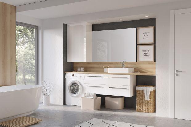 Podstawą funkcjonalnej domowej pralni w łazience jest właściwa organizacja – środków czystości, miejsca na rzeczy do prania, pralki czy suszarki. Pomogą w tym odpowiednio dobrane meble łazienkowe.