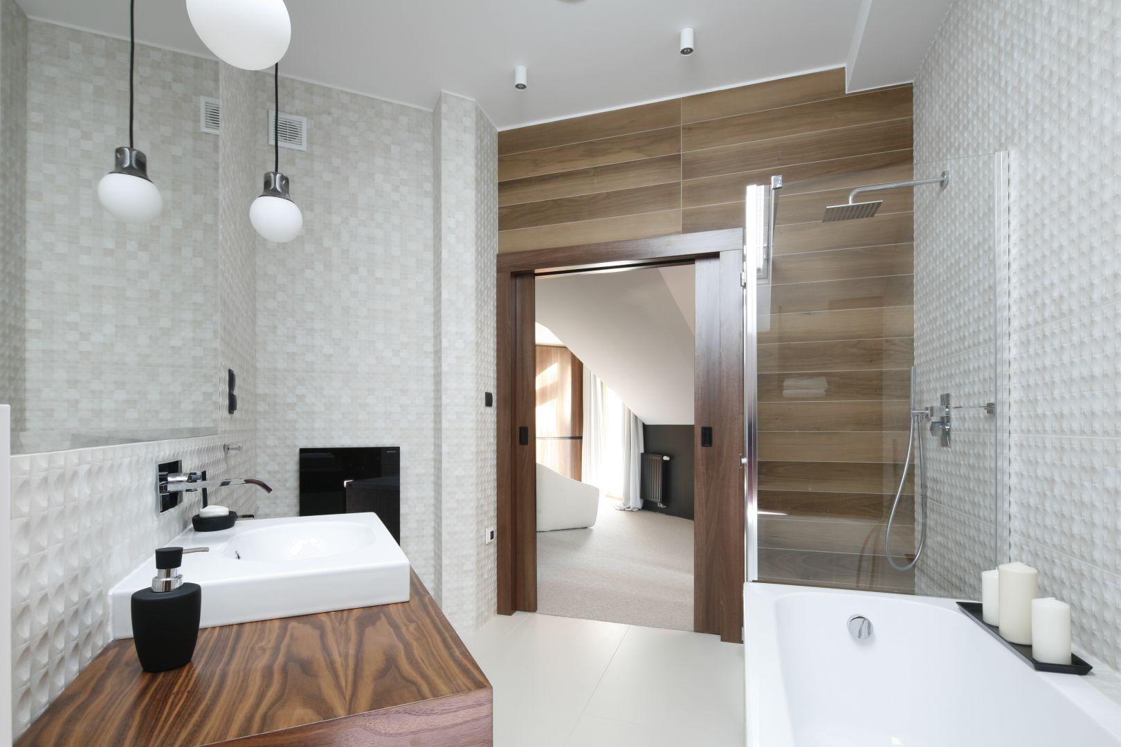 Miejsce 1: gotowy projekt nowoczesnej łazienki. Proj. Jan Sikora. Fot. Bartosz Jarosz