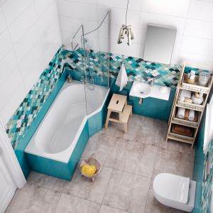 Wanna i parawan nawannowy z dedykowanej do małych łazienek serii BeSpot firmy Excellent. Fot. Excellent