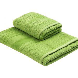 6. KIAN GREEN – komplet dwóch bawełnianych ręczników w soczyście zielonym kolorze. Fot. Westwing