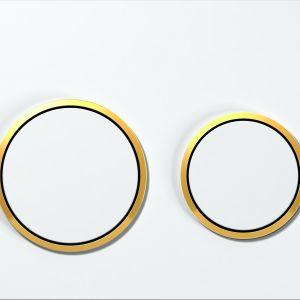 Przycisk spłukujący Omega20 jest dostępny w sześciu wariantach kolorystycznych, m.in. z elementami w kolorze złota. Fot. Geberit