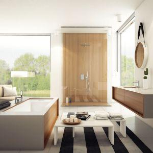 Aranżacja salonu kąpielowego - propozycja marki Kohlman. Na zdjęciu bateria prysznicowa Excelent. Fot. Kohlman