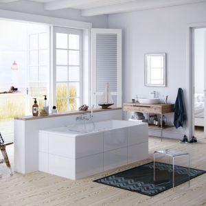 Propozycja aranżacji salonu kąpielowego od marki Excellent. Na zdjęciu bateria wannowa Clever. Fot. Excellent