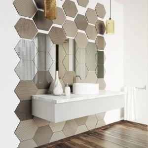 Ścianę w strefie umywalki można wykończyć materiałem innym niż płytki ceramiczne - np. płytkami szklanymi z kolekcji Colorimo Hexi. Fot. Mochnik