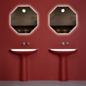 Umywalka Calice z Corianu. Fot. Antoniolupi