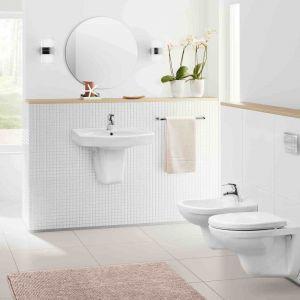 Bidet wiszący i inne elementy z kolekcji łazienkowej Loara. Fot. Grupa Armatura