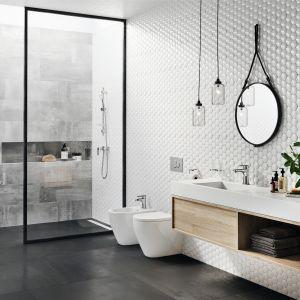 Aranżacja łazienki w stylu skandynawskim z baterią umywalkową Algeo Square. Fot. Ferro