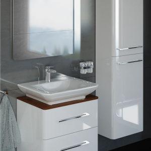 Meble łazienkowe na wysoki połysk z kolekcji White marki Vigour. Fot. Vigour