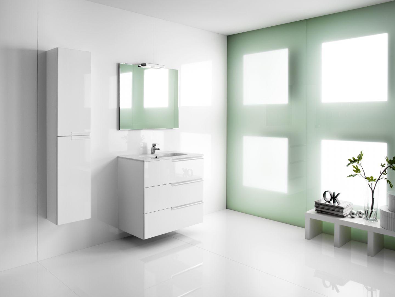 Meble łazienkowe na wysoki połysk z kolekcji Victoria-N Family firmy Roca. Fot. Roca