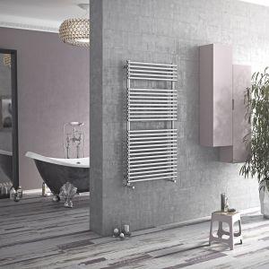 Grzejnik łazienkowy ze stali nierdzewnej Piko. Fot. Luxrad