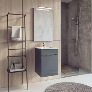 Antracytowa szafka podumywalkowa z kolekcji mebli łazienkowych Qubo Plus firmy Elita. Fot. Elita