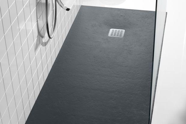 Czarny kolor w łazience potrafi nadać przestrzeni elegancję i charakter. Zobaczcie, jak wprowadzić go do aranżacji w postaci detali.