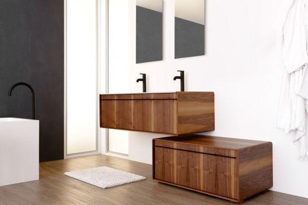 Kolory i rysunek drewna nadadzą każdej łazience przytulny i zarazem elegancki charakter. Zobaczcie 10 pięknych kolekcji mebli łazienkowych w kolorze drewna.