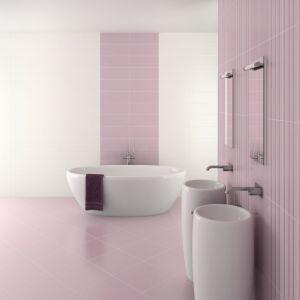 Aranżacja łazienki z kolorową fugą z serii Saphir. Fot. Sopro
