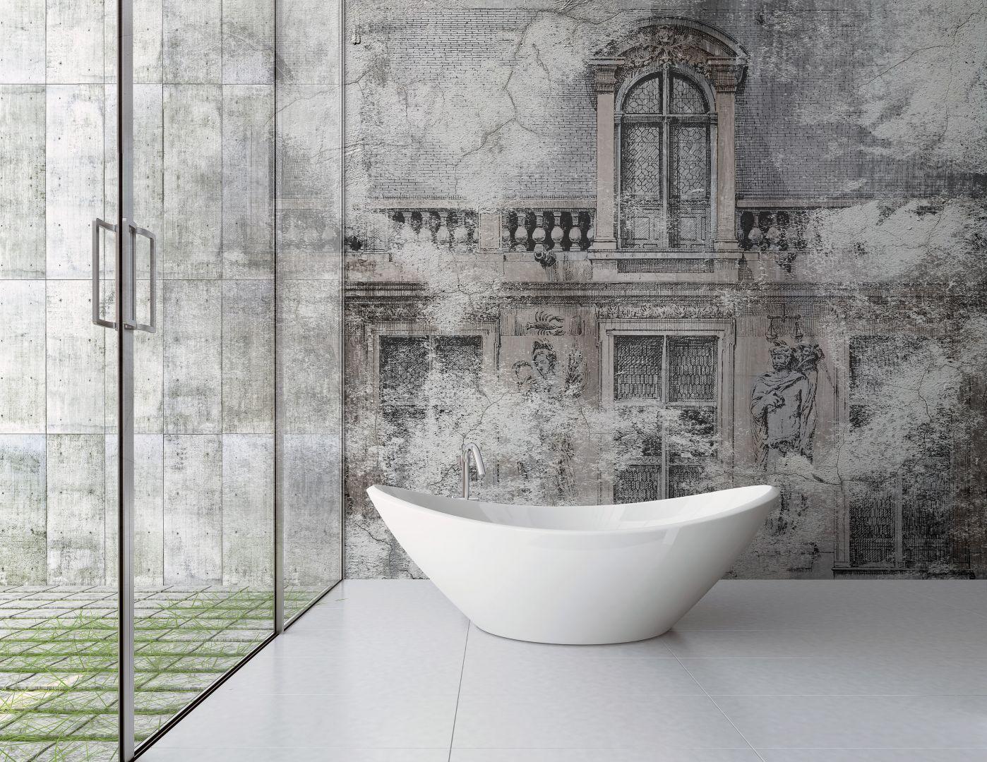 Bardzo eleganckim zwieńczeniem ściany w łazience jest wodoodporna tapeta. Na zdjęciu tapeta Luigi XVII z oferty włoskiej marki Instabilelab. Fot. Instabilelab