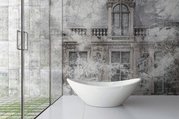 Płytki ceramiczne to zdecydowanie najpopularniejszy sposób na wykończenie ściany w łazience. Ale są również inne metody!