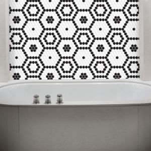 Płytka ceramiczna Mini Hexagon Bee z kolekcji Arabesco marki Dunin. Fot. Dunin