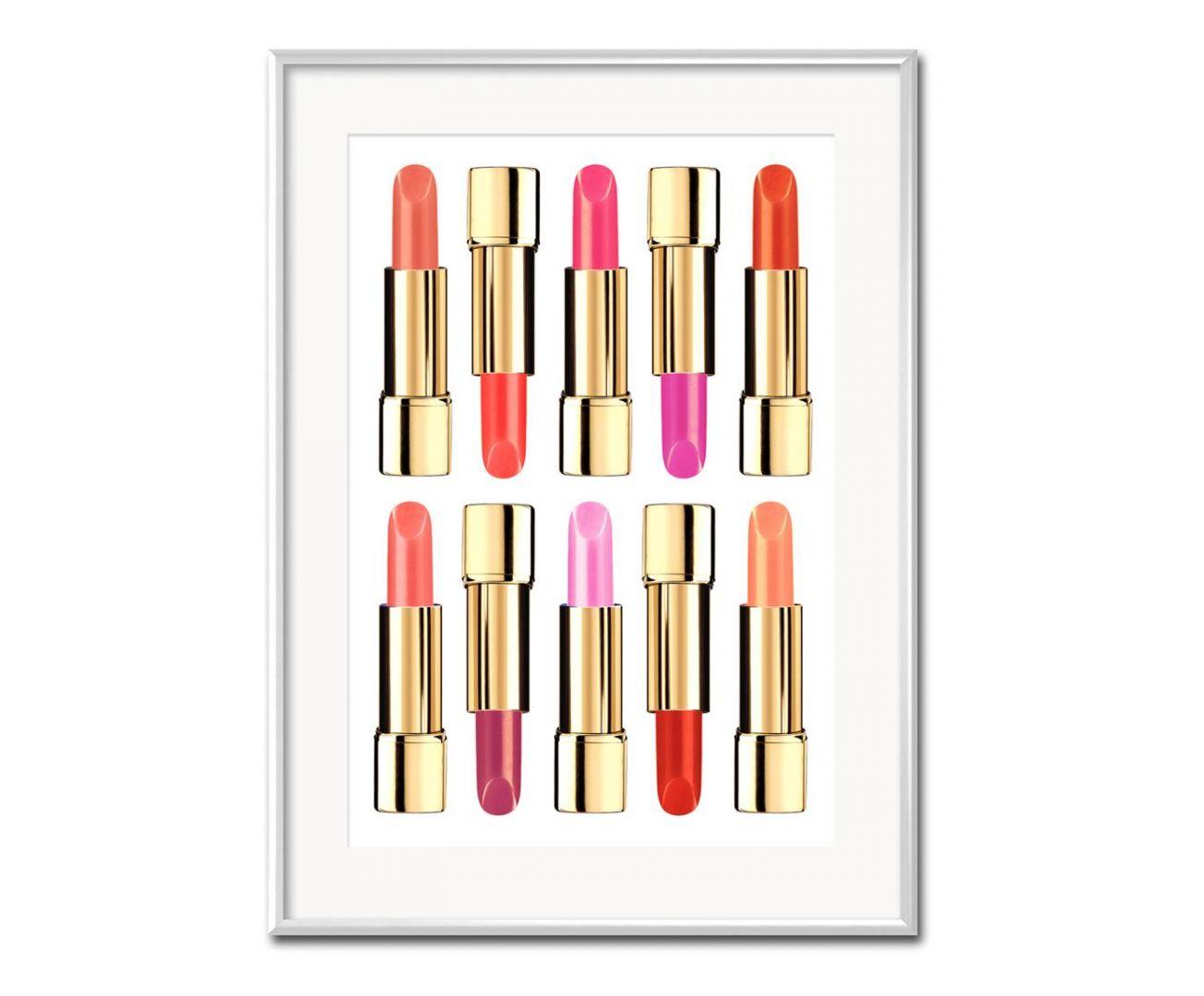 Dekoracja ścienna Lipstick z typowo kobiecymi motywami ozdobią ścianę w strefie umywalki. 64,90 zł/sztuka. Fot. Westwing
