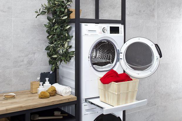 Z praniem wiąże się wiele uciążliwych kwestii: brak miejsca na jego wywieszenie, konieczność prasowania ubrań po praniu. Wiele z tych niedogodności pomoże rozwiązań odpowiednia suszarka do prania.