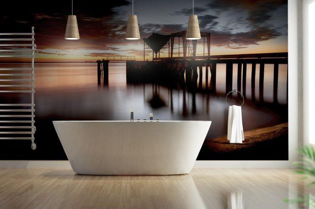 Jednym z ciekawszych sposobów wykończenia ściany w łazience jest fototapeta.