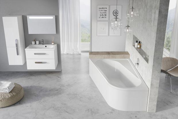 Wiele łazienek w polskich blokach i domach jest dość nieustawnych. W myślą o takich wnętrzach powstają asymetryczne modele wanien, które można dopasować do najbardziej wymagającego metrażu. Zobaczcie przykład takiego rozwiązania.