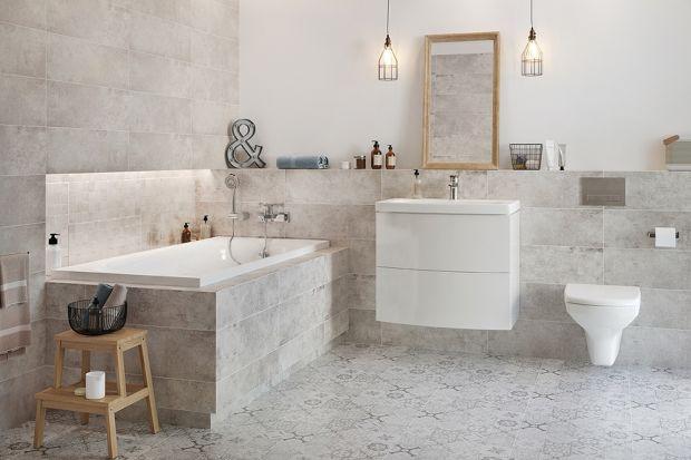 Najpopularniejszym materiałem wykończeniowym w łazienkach wciąż są płytki, a wśród kolorów popularna jest szarość. Zobaczcie jak takie połączenie prezentuje się w łazienkach!