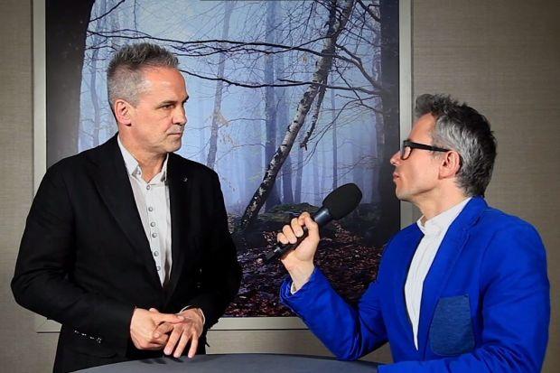 Czy w łazience jest miejsce na smart-rozwiązania? Zbigniew Urbański, dziennikarz, prezenter telewizyjny oraz fan technologii i gadżetów,rozmawiał z nami o tym naForum Branży Łazienkowej.