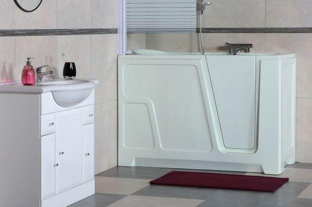 Urządzając łazienkę dla seniora lub łazienkę wielopokoleniową warto rozważyć montaż wanny z drzwiczkami, która z powodzeniem zastąpi tradycyjną wannę.