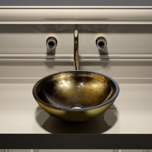Kryształowe umywalka z kolekcji Ocean. Fot. Glass Design