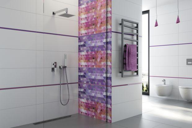 Obowiązkowym elementem aranżacji strefy prysznica jest oczywiście armatura prysznicowa. W aranżację nowoczesnej łazienki świetnie wpiszą się rozwiązania podtynkowe.
