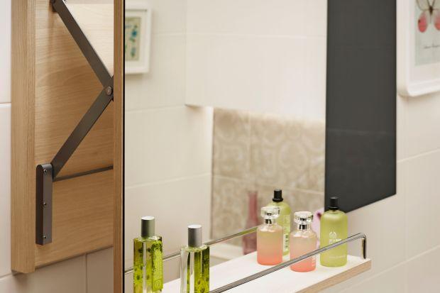 Estetyka wnętrza to pierwsza rzecz, jaką zauważamy, jednak równie ważna jest jego funkcjonalność. Prezentujemy 5 praktycznych rozwiązań, które ułatwią korzystanie z łazienki.