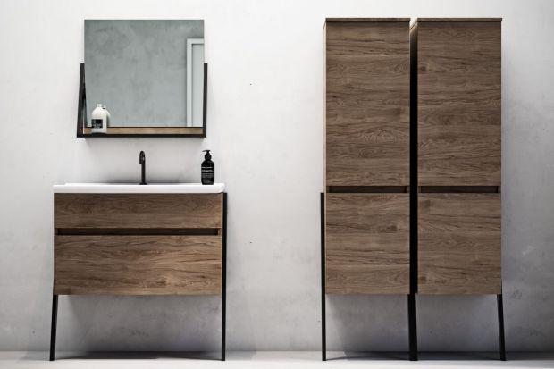 Nie ma lepszego sposobu na stworzenie przytulnej aranżacji łazienki niż dekor drewna. Na przykład na frontach meblowych.