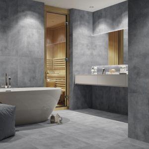 Możemy wybrać aranżację w stylu total look, gdzie w całym pomieszczeniu wykorzystujemy betonową imitację płytek o tej samej barwie np. z kolekcji Batista steel. Fot. Cerrad