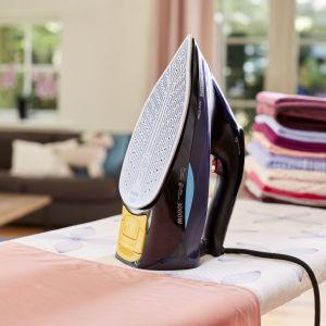 Żelazko tradycyjne Azur Elite GC5039/30 marki Philips. Fot. Philips