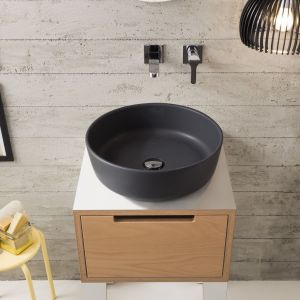 Nablatowa umywalka z serii Mizu marki Scarabeo Ceramiche. Fot. Scarabeo Ceramiche