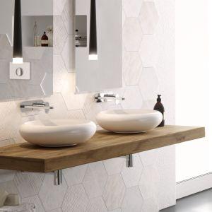 Nablatowa umywalka z serii Tao marki Hidra. Fot. Hidra