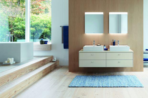 Moda na minimalizm nie ominęła również przestrzeni łazienek. Minimalistyczna łazienka może być jednak urządzona na wiele sposobów.