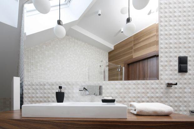 Jak wykończyć ścianę w strefie umywalki? Mamy dla Was 10 inspirujących zdjęć z polskich domów!