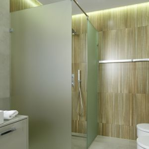 Strefa prysznica w narożniku. Proj. Dominik Respondek. Fot. Bartosz Jarosz