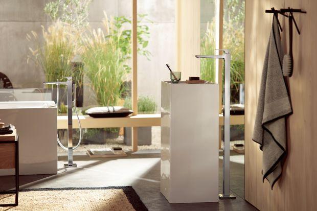 Urządzając łazienkę w konwencji salonu kąpielowego sięgnijmy po baterie podłogowe, które idealnie skomponują się z wolnostojącą wanną czy umywalką.
