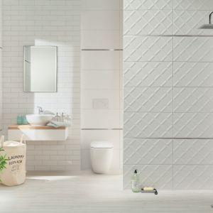 Aranżacja łazienki z płytkami z kolekcji Burano: nowoczesny minimalizm. Fot. Ceramika Domino