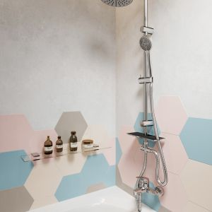 Natynkowy zestaw prysznicowy z deszczownią Rondo Lux. Fot. Ferro